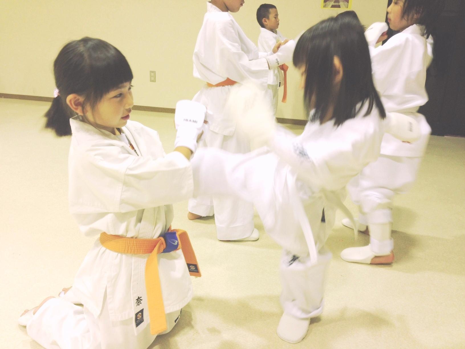 女子小学生のおっぱい©2ch.netYouTube動画>35本 ->画像>112枚