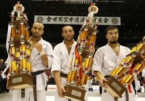 左から準優勝/ジマ・ベルコジャ、優勝/ザハリ・ダミヤノフ、3位/ダルメン・サドヴォカソフ