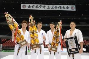 左から準優勝/髙橋佑汰、優勝/鎌田翔平、3位/上田幹雄、4位/荒田昇毅