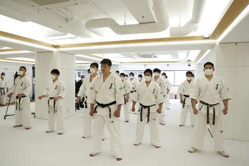 上田幹雄の100人組手挑戦は60人で無念のドクターストップ